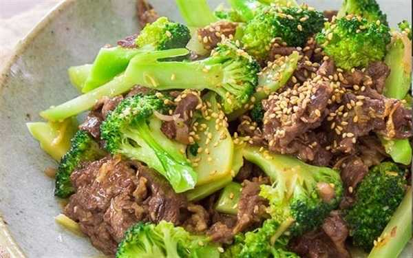 Thêm súp lơ xào thịt bò vào thực đơn