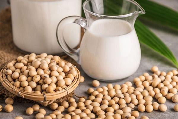 Uống sữa đậu nành để tăng nội tiết tố nữ