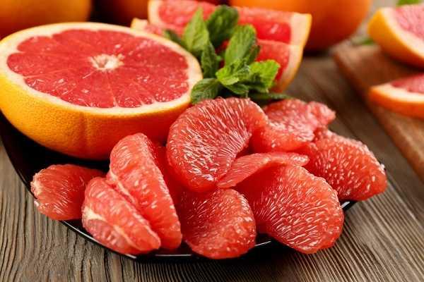 Cải thiện nội tiết tố nữ với trái bưởi