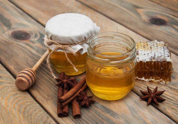 Sử dụng mật ong và dầu oliu