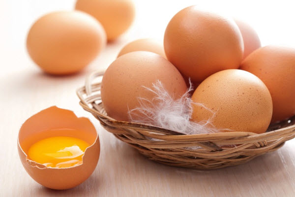 Bổ sung estrogen sau sinh bằng thực phẩm nhiều protein