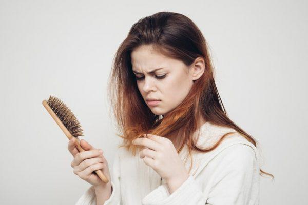 Cách chống rụng tóc đơn giản tại nhà
