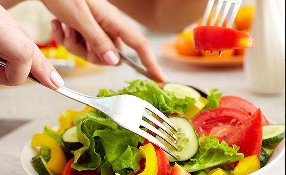 Chế độ ăn uống giúp nuôi dưỡng làn da từ sâu bên trong