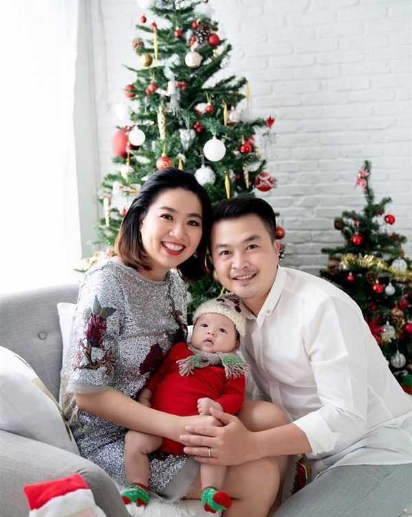 Gia đình hạnh phúc của Lê Khánh