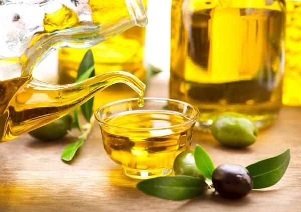 Rạn da sau sinh có chữa được không với dầu oliu