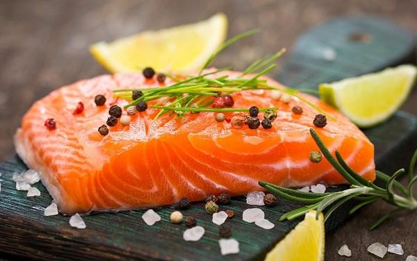 Lựa chọn cá hồi để tăng nội tiết tố nữ