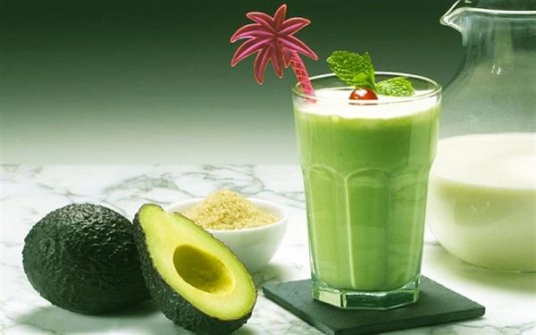 Thức uống giúp tăng vòng 1 đơn giản, sinh tố bơ, đào, nho và cà chua, sữa đậu nành, cách tăng vòng 1